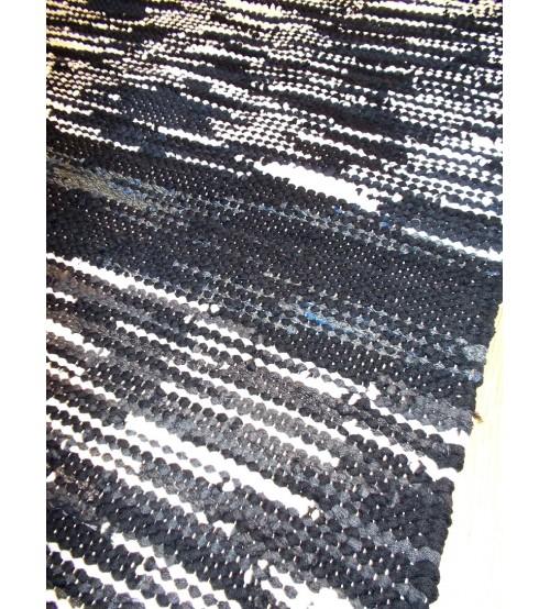 Hagyományos rongyszőnyeg fekete, fehér 70 x 140 cm