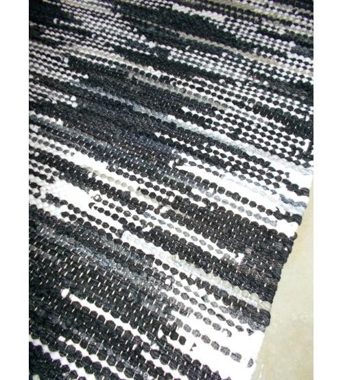 Hagyományos rongyszőnyeg fekete, fehér 70 x 100 cm