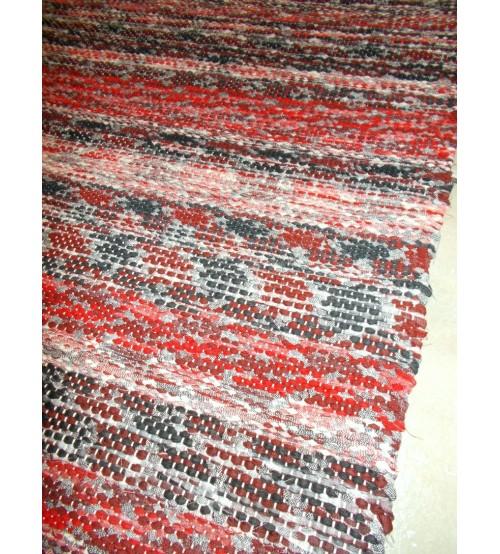 Vászon rongyszőnyeg piros, fekete 70 x 185 cm