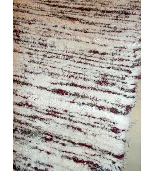 Bolyhos rongyszőnyeg fehér, bordó 75 x 200 cm