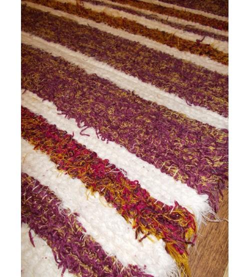 Bolyhos rongyszőnyeg fehér, lila 75 x 100 cm