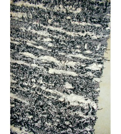 Bolyhos rongyszőnyeg fekete, fehér 75 x 150 cm