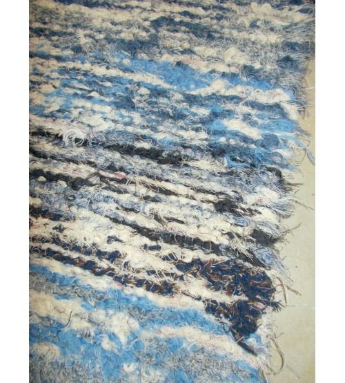 Bolyhos rongyszőnyeg kék, nyers 60 x 140 cm