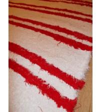 Bolyhos rongyszőnyeg fehér, piros 85 x 170 cm